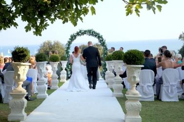 outdoor-civil-wedding-in-italy