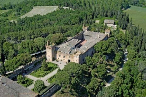 castle-oliveto-tuscany