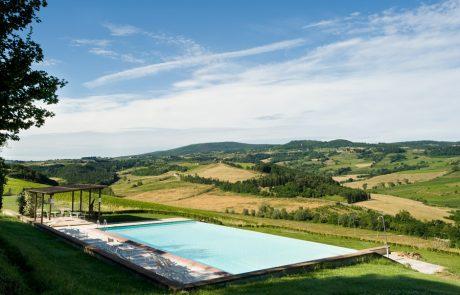 tuscan-farmhouse-pool